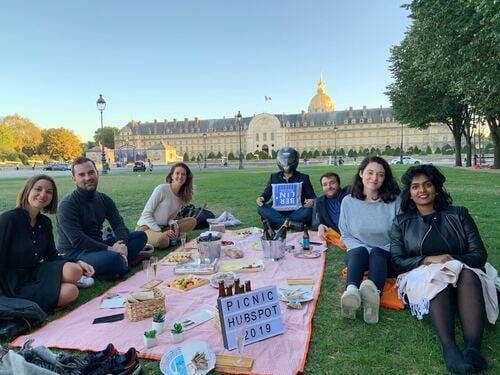 Sortie de l'équipe HubSpot Paris
