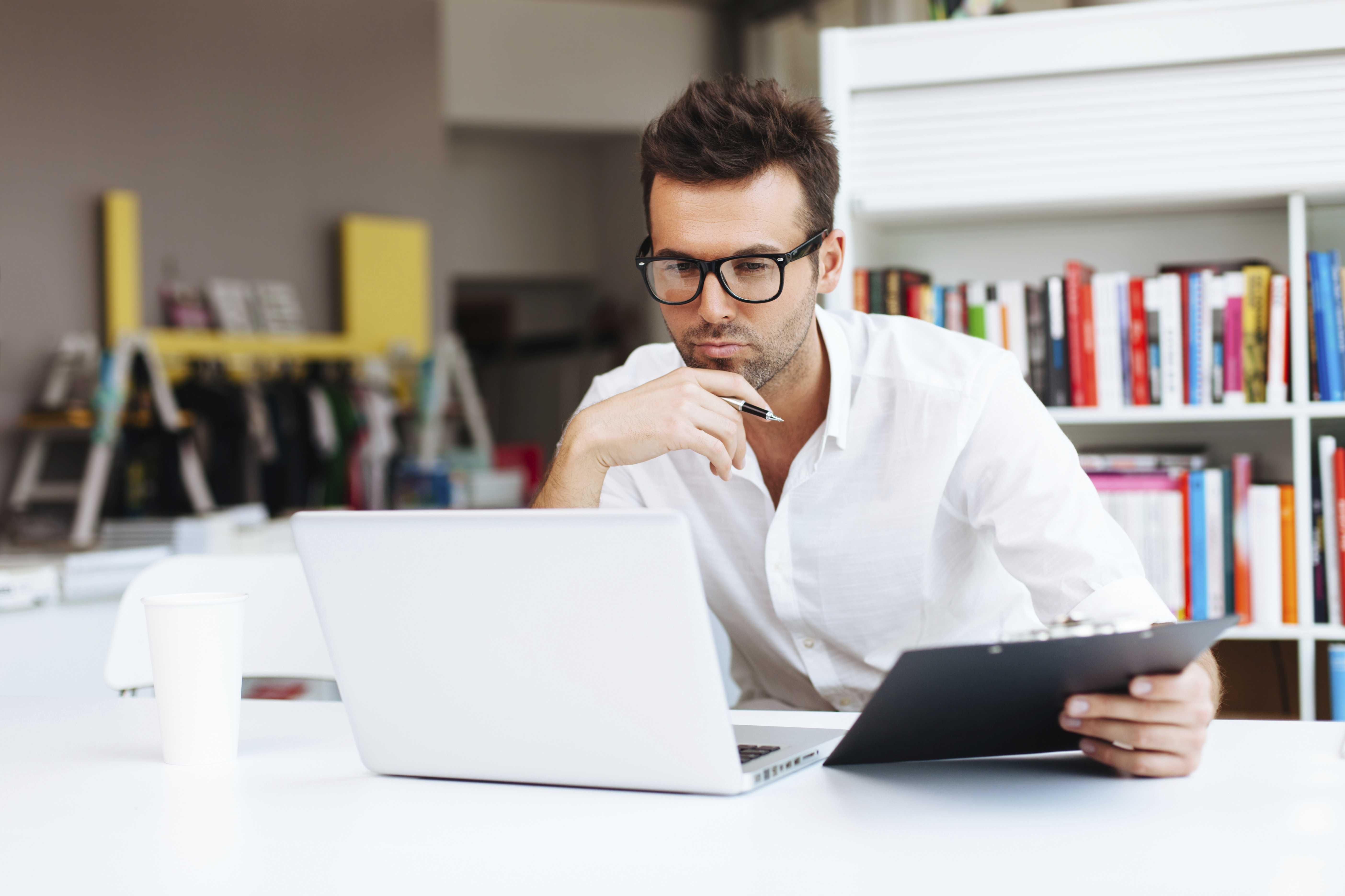 guy_on_laptop.jpg