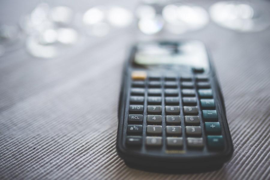 Stocksnap_calculator1-1.jpg