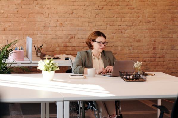 6 exemples d'email de relance professionnel