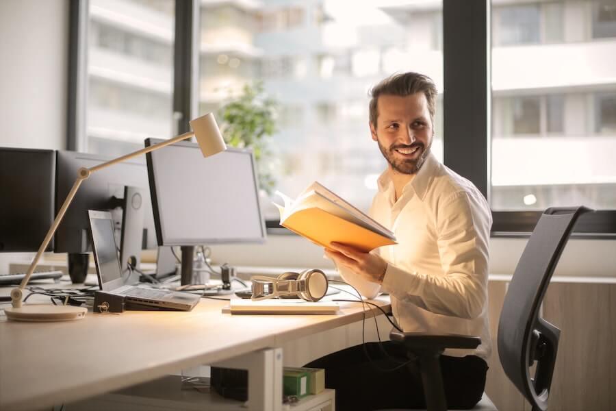 Comment augmenter les revenus d'une agence grâce aux clients existants