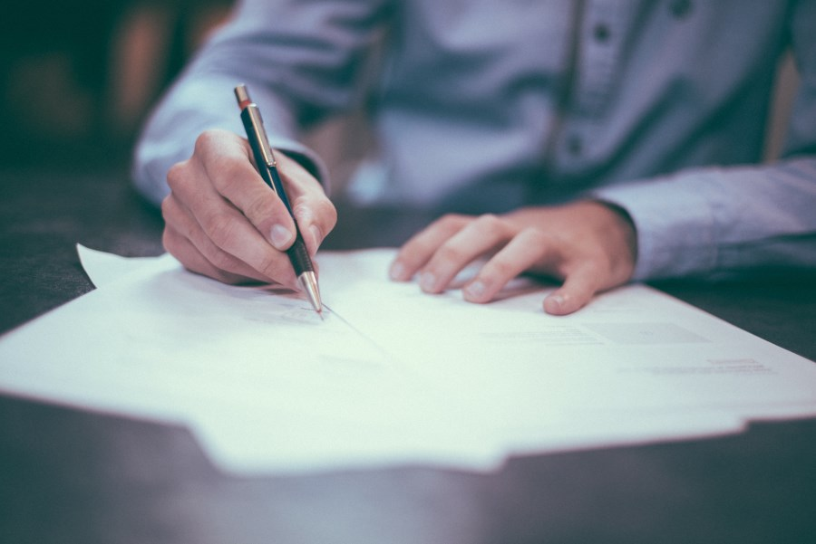 signature de contrats