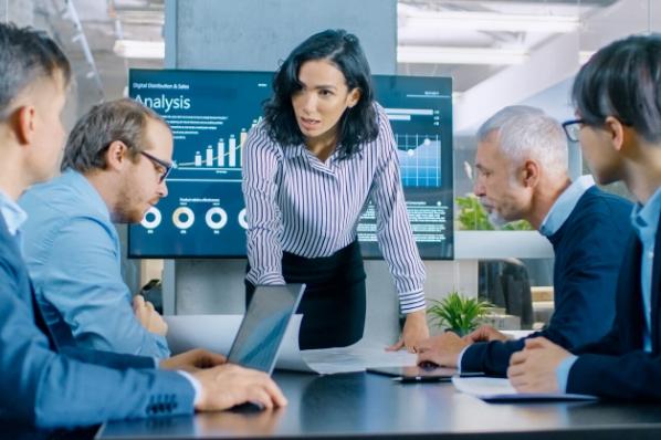 9 compétences et qualités essentielles à un directeur commercial