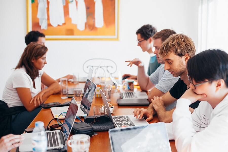 10 conseils à suivre pour agrandir votre équipe commerciale