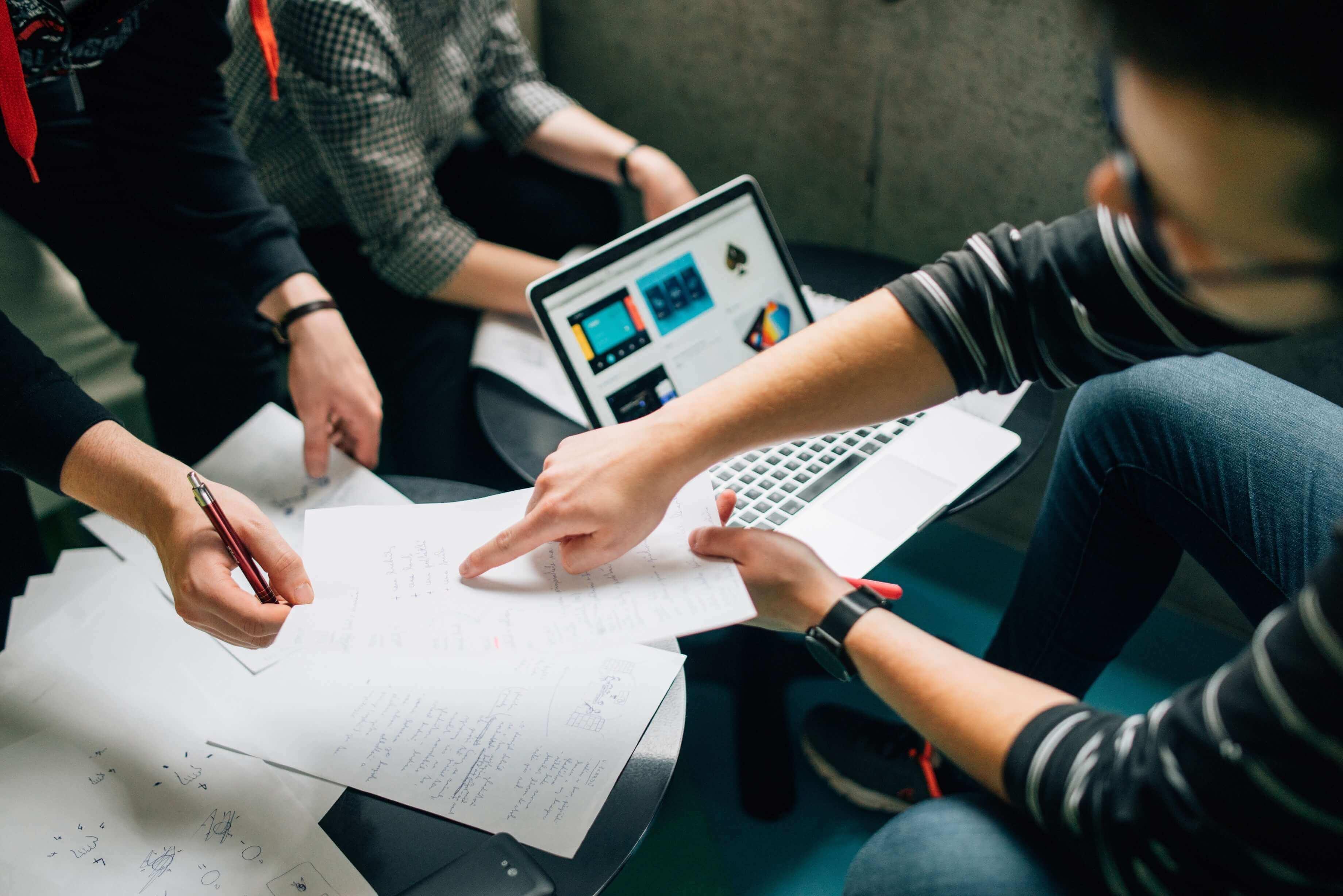 7 points clés à aborder lors d'une première réunion avec un nouveau client