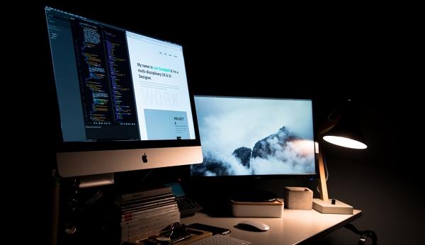 lignes de code sur un écran