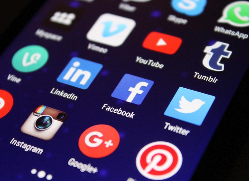 Social media marketing : définition, outils et conseils