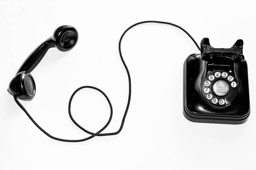 Téléphone fixe noir rétro