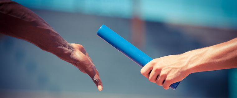 5manières d'améliorer la transition entre l'équipe commerciale et le serviceclient